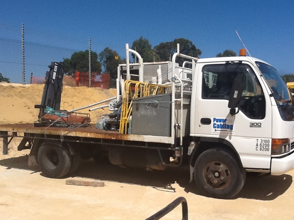 NBN Truck with small Hiab